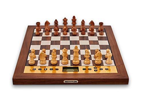 Millennium The King Performance - Jeu d'échecs électroniques pour Les esthètes. avec Cadre en Bois véritable, pièces en Bois et 81 LED pour l'affichage des Coups. avec Le Logiciel The King.