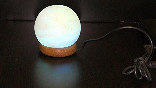 Lamps R Us Lampe en cristal de sel rose de l'Himalaya Connexion USB Forme globe Base en bois