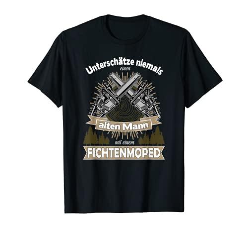 Hombre Subestima a un hombre antiguo con motosierra de pícea. Camiseta