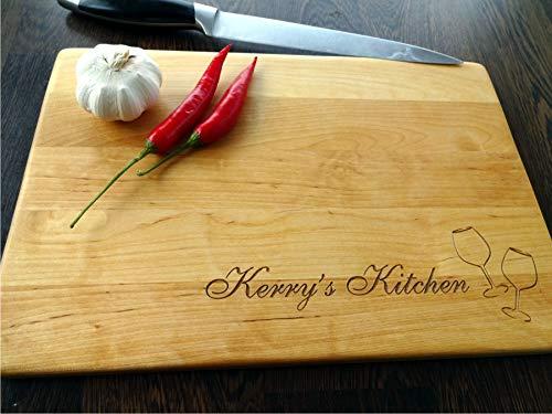 Personalisiertes Schneidebrett Handgefertigt mit Weinglas. Frühstücksbrettchen Gravierte Schneidebrett. Holz Küchenbrett Kochbrett