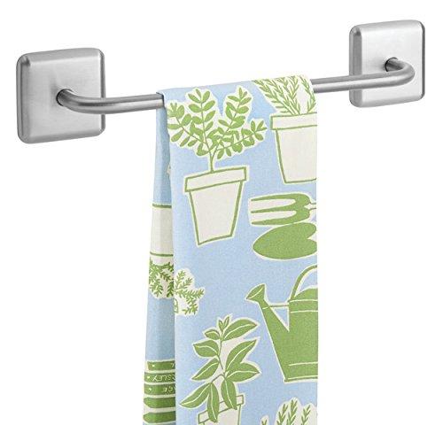 mDesign Porte-serviettes AFFIX à coller – Porte-torchon sans perçage sur un placard – Accroche torchon pour la cuisine, la salle de bain ou le garage
