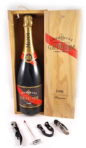 Mumm & Co Brut Millesime Champagne 1996 MAGNUM in einer Geschenkbox. Da zu vier Wein Zubehör, Korkenzieher, Giesser, Kapselabschneider, Weinthermometer, 1 x 1500ml