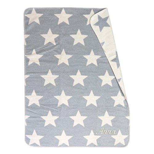 Fussenegger Baby- und Schlafdecke mit Ihrem Wunsch Namen in der abgebildeten Stickschrift bestickt PANDA Sterne 75 cm x 100 cm grau mit Bambusfaser Namensdecke personalisiert