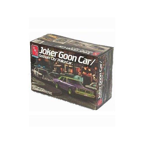 ERTL Co 1:25 Scale Joker Goon Car / Gotham City Police Car Plastic Model