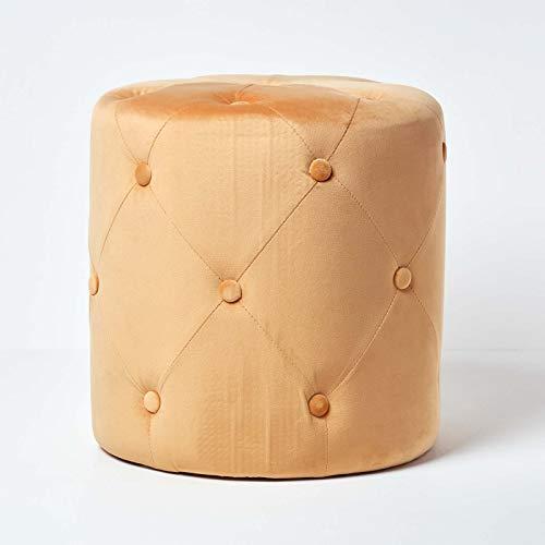Homescapes Samt-Fußhocker Windsor, senfgelber Polsterhocker mit Knopfsteppung, runder Deko-Hocker im Vintage-Stil, 40 cm hoch, Ocker