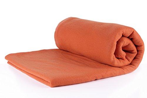 Betz Fleecedecke Kuscheldecke Wohndecke Farbe Terra orange Größe 130x170 cm Qualität: 220 g/m²