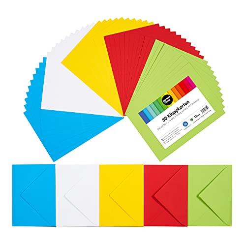 perfect ideaz 50 tarjetas plegables de colores DIN-A6 con sobres de 11 x 15,5 cm, elaboradas de forma sostenible en Alemania, tarjeta doble en 5 colores, set en blanco, para manualidades