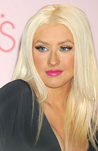 Posterazzi Store Appearance For Launch Of Christina Aguilera'S New Fragrance Inspire Photo Poster Print, (16 x 20)