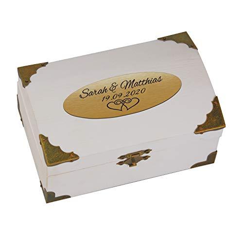 Geschenke 24 Holz-Schatzkiste weiß zur Hochzeit mit Gravur (Gold, Herzen): personalisierte Schatztruhe mit Namen und Datum graviert, Schatztruhe - Hochzeitsgeschenk, Geldgeschenk verpacken