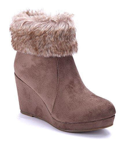 Schuhtempel24 Damen Schuhe Keilstiefeletten Stiefel Stiefeletten Boots Khaki Keilabsatz 8 cm