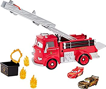 Disney Cars Stunt & Splash Red Firetruck with Collectible Golden Lightning McQueen Vehicle-- 1 with Color Change & 1 Golden Colored Toy Gift for Kids Age 4 Years & Older [Amazon Exclusive]