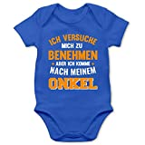 Shirtracer Sprüche Baby - Ich versuche Mich zu benehmen Aber ich komme nach Meinem Onkel orange - 3/6 Monate - Royalblau - Baby Strampler Patenonkel - BZ10 - Baby Body Kurzarm für Jungen und Mädchen