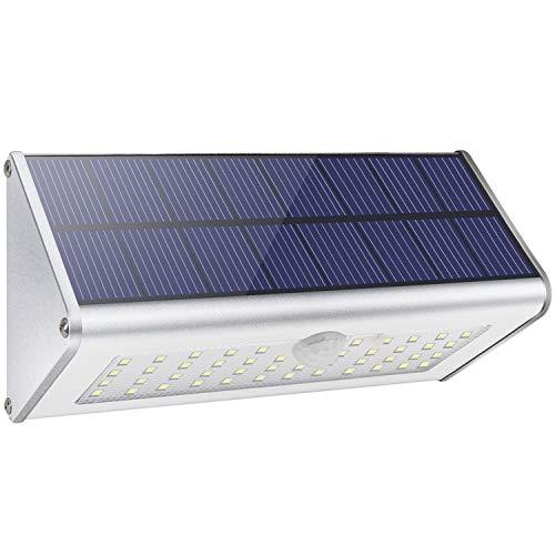 Luces de pared solar de seguridad al aire libre, Licwshi 1100lm 46 LED 4500mAh Aleación de aluminio de plata Sensor de movimiento infrarrojo para jardín, calle, valla, Luz blanca cálida