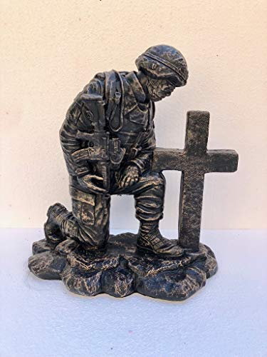 Solid Rock Stoneworks Kneeling Soldier at Cross- Autumn Brown- 22' Tall x 20' w x 11' Dia