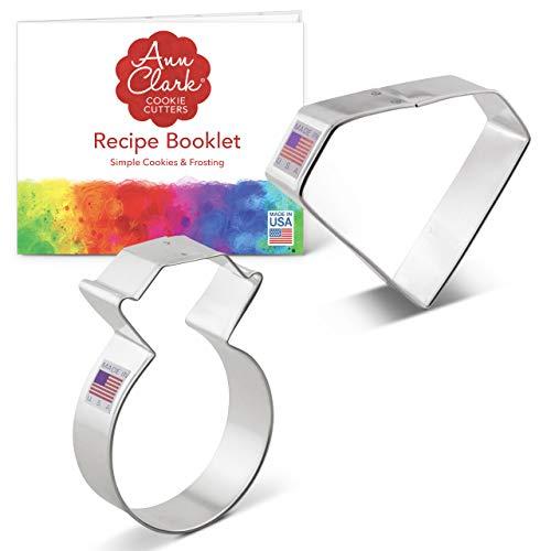 Ann Clark Cookie Cutters Juego de 2 cortadores de galletas compromiso con libro de recetas, diamante y anillo de compromiso