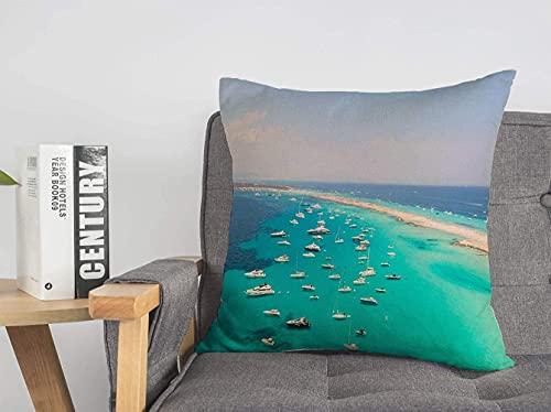 Fodera per Cuscino Decorativo in Poliestere Blu ancorato con Drone Vista sopra l'isola Turchese Formentera Holidays Nature Yachts Ariel Beach Ibiza Fodera Morbida per Cuscino Quadrato per Divano sedi