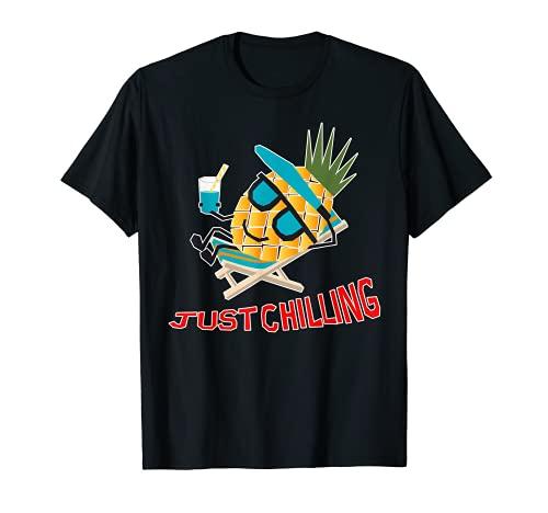 Cool Pineapple Fruit Chilling Divertida tumbona de verano Camiseta