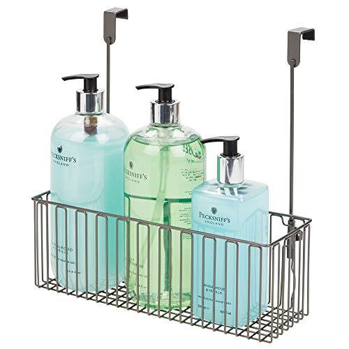 mDesign Estante colgante para utensilios de baño – Prácticas repisas para baño de metal para guardar champú, gel, etc. – Cesta colgante para armarios fácil de montar – gris