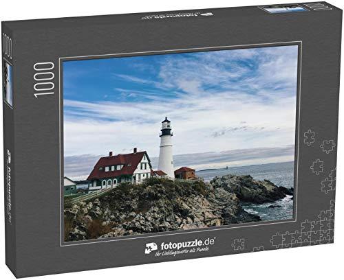 fotopuzzle.de Puzzle 1000 Teile Der Portland Headlight Lighthouse thront über Einer felsigen Küste im malerischen Port Elizabeth, Maine