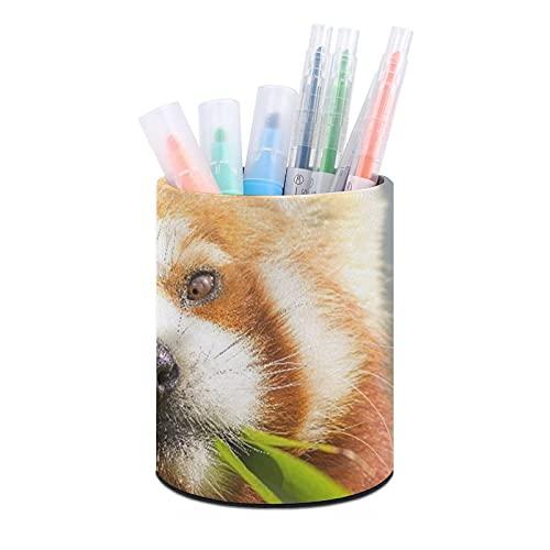 Titular de la pluma de oficina redonda de cuero,Bizco Animal Lindo Panda Rojo Ailurus Fulgens Comiendo Mirando,Organizador de escritorio para dormitorio de oficina en casa