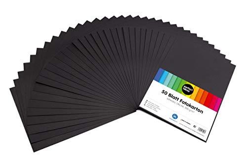 perfect ideaz 50 Blatt schwarzes DIN-A4 Foto-Karton, Bastel-Papier schwarz, Bogen voll durchgefärbt, 300 g/m², Ton-Zeichen-Pappe zum Basteln in black, Blätter-Set farbig, DIY-Bedarf