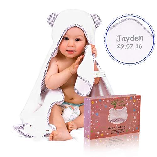*Kapuzenhandtuch Baby bestickt mit Namen/Geburtsdatum, Baby Handtuch personalisiert – zur Taufe, Geburt. Kinderhandtuch aus 100% Bambus, weiß/grau, 100x70cm + GRATIS Waschlappen, für Jungen und Mädchen*