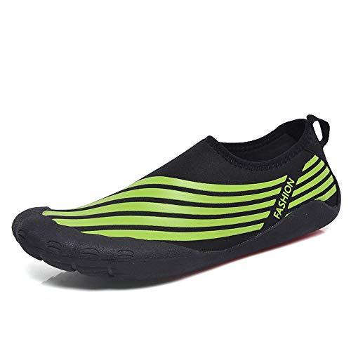 Zwemschoenen warme duiksokken bij het snorkelen van zwemschoenen mannen en vrouwen zetten wandelschoenen op het strand 38 EU zwart en groen.