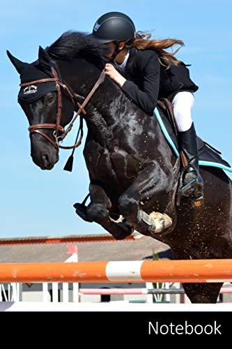 Notebook: 馬、乗馬、ジャンプの障害物スポーツ ノートブック/ 日記 / ライティングブック / ノート - 6 x 9インチ(15.24 x 22.86 cm)、110ページ、光沢のある表面。