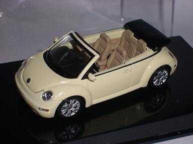 AUTOart Volkwagen New Beetle Cabrio Gelb Beige 1/43 Auto Art Modellauto Modell Auto