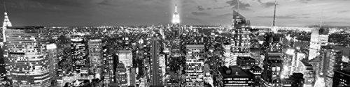 Wallario Küchenrückwand Hartschaumplatte, Größe 200 x 50 cm, Motiv: New York bei Nacht - Panoramablick über die Stadt - schwarzweiß