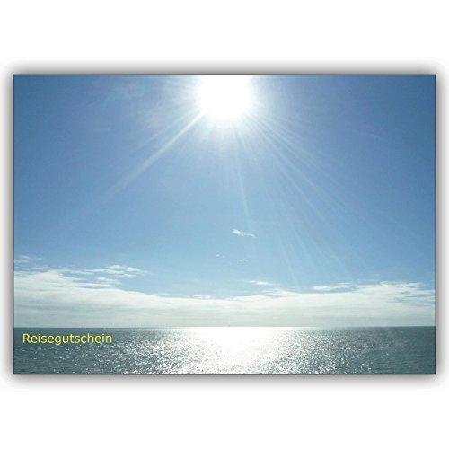 1 voucher kaart: Foto reis voucher (blanco) met zonnige blik over de zee: reisvoucher • edele klapkaart met envelop als lieve groet voor u