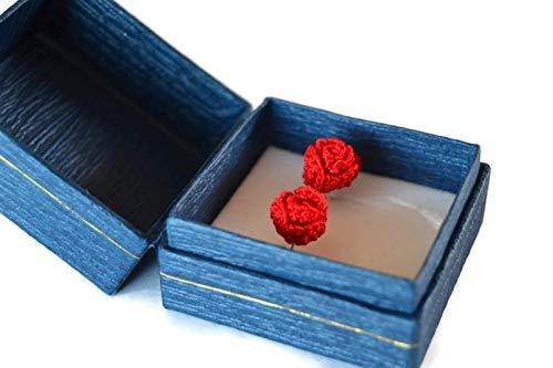 Orecchini rose rosse chiodini gioielli a perno regalo per lei all'uncinetto fatto a mano