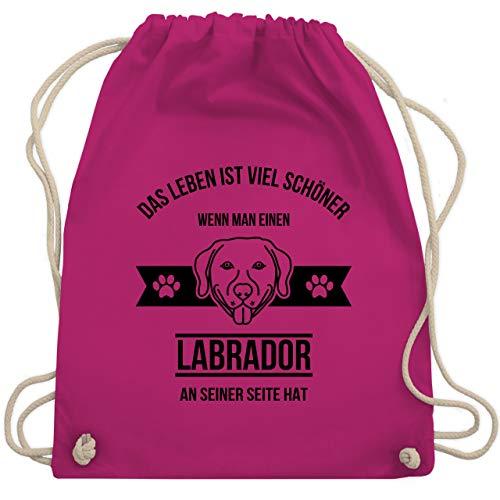 Shirtracer Hunde - Das Leben ist viel schöner wenn man einen Labrador an seiner Seite hat - Unisize - Fuchsia - turnbeutel labrador - WM110 - Turnbeutel und Stoffbeutel aus Baumwolle