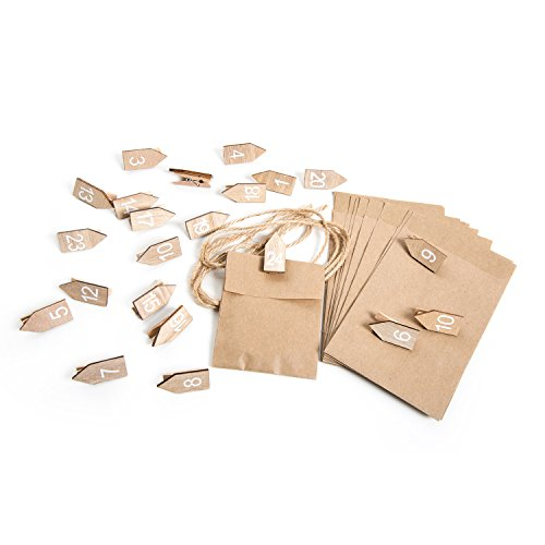 Knutselset: adventskalender om zelf te vullen: 1 tot 24 houten cijfers cijferklemmen houten wasknijpers kalendergetallen natuurlijk wit + 24 kleine papieren zakjes 10,5 x 15 cm om op te hangen