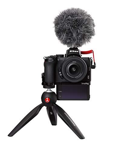 Nikon Z 50 Vlogger Kit (20,9 MP, OLED-Sucher mit 2,36 Millionen Bildpunkten, 11 Bilder pro Sekunde, Hybrid-AF mit Fokus-Assistent, ISO 100-51.200, 4K UHD Video)