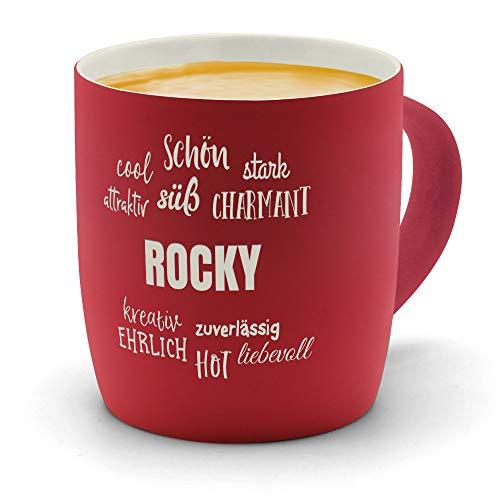 printplanet - Kaffeebecher mit Namen Rocky graviert - SoftTouch Tasse mit Gravur Design Positive Eigenschaften - Matt-gummierte Oberfläche - Farbe Rot