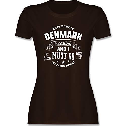 Länder - Denmark is Calling and I Must go Weiß - S - Braun - Geschenk - L191 - Tailliertes Tshirt für Damen und Frauen T-Shirt