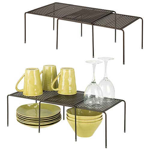 mDesign Juego de 4 Accesorios para Interiores de armarios de Cocina – Práctica balda Extensible de Metal para Ampliar el Espacio – Estante para Platos Antideslizante y desplegable – Color Bronce