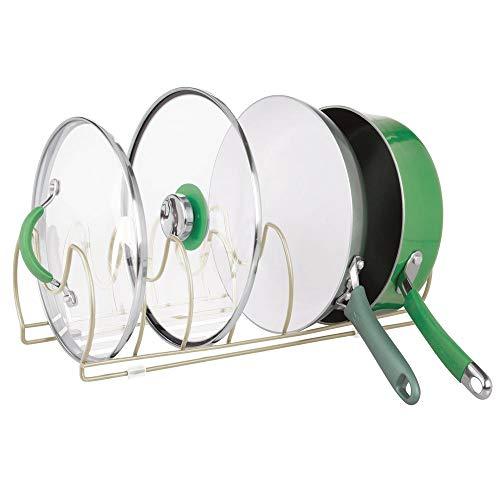 mDesign Soporte para sartenes, tapas y cacerolas – Compacto organizador de tapas de ollas para los armarios de la cocina – Estante de metal para utensilios – Ahorra espacio – plateado mate