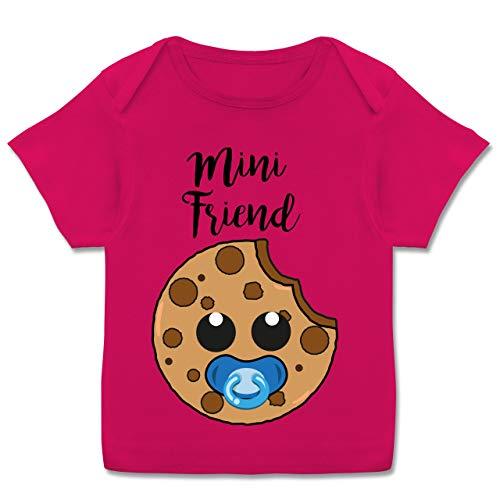 Partner-Look Familie Baby - Mini Friend Blau - 80-86 - Fuchsia - Baby Geschenk mädchen - E110B - Kurzarm Baby-Shirt für Jungen und Mädchen