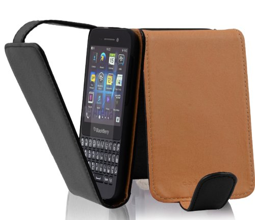 Cadorabo Hülle für BlackBerry Q5 - Hülle in Oxid SCHWARZ – Handyhülle aus Strukturiertem Kunstleder im Flip Design - Hülle Cover Schutzhülle Etui Tasche