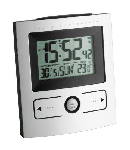 TFA Dostmann Digitaler Funk-Wecker mit Temperatur, Kunststoff, silber, L101 x B60 x H137 mm