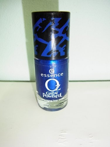 Essence Oz The Greate And Powerful chracking Top Coat Nail Polish Nagellack Nr. 05 Delicate But Determined Farbe: Dunkelblau metallic Inhalt: 8ml Chracking Top Coat Nagellack Nail Polish für strahlen schöne Nägel.