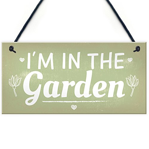 RED OCEAN I'm In The Garden Novelty Hanging Plaque Summer House Sign Garden Shed Friendship Gift