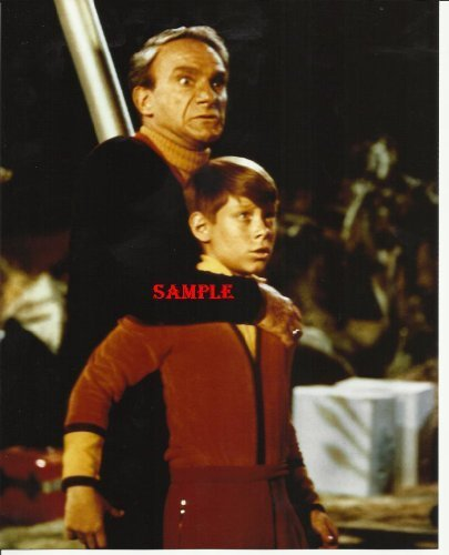 Lost In Space Jonathan Harris as Dr. Smith with arm around Bill Mumy neck Photo 8x10 LIS1013
