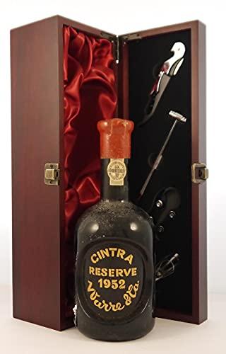 Warre Cintra Reserve Port 1952 en una caja de regalo forrada de seda con cuatro accesorios de vino, 1 x 700ml