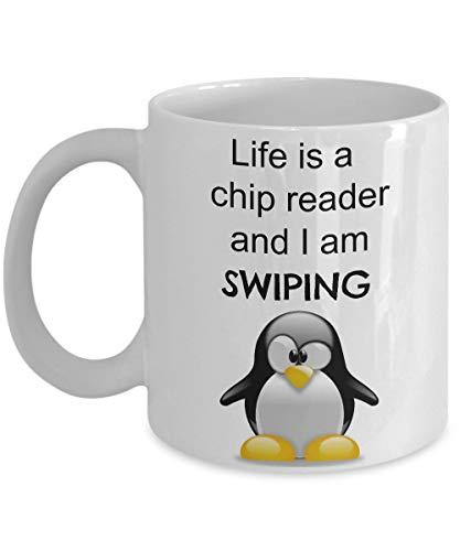 Linda taza de pingüino, divertida taza de café, la vida es un lector de chips, las tazas son regalos económicos para compañeros de trabajo, él, ella, hombres, mujeres, mamá, papá, hija, hijo,