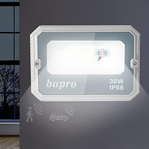 Faretto LED da Esterno con Sensore di Radar, 30W Proiettori LED con Sensore di Movimento, 3000LM Super Luminosa Bianco Freddo Luce di Sicurezza, IP66 Impermeabile Faretti Esterni per Giardino/Garage