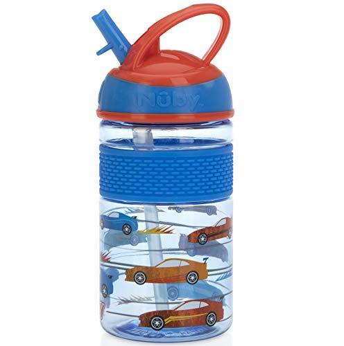 Nuby Thirsty Kids Flip-it Freestyle On The Go Botella de agua con taza de paja dura resistente a las mordeduras y banda de fácil agarre, coches azules, 12 onzas