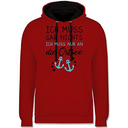 Shirtracer Statement - Ich muss gar Nichts - ich muss nur an die Ostsee - XXL - Rot/Schwarz - Geschenk - JH003 - Hoodie zweifarbig und Kapuzenpullover für Herren und Damen